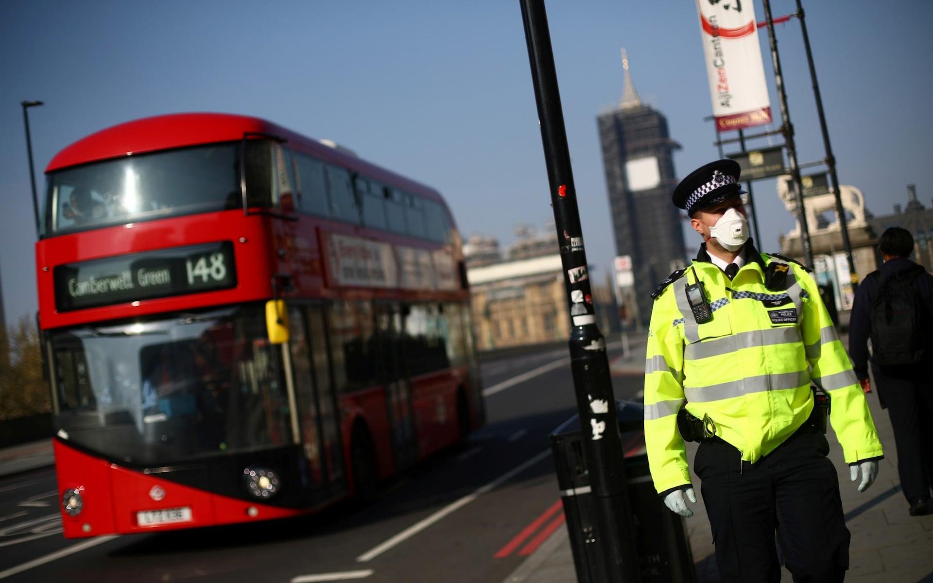 Ослабление ограничительных мер в Великобритании отложено на четыре недели